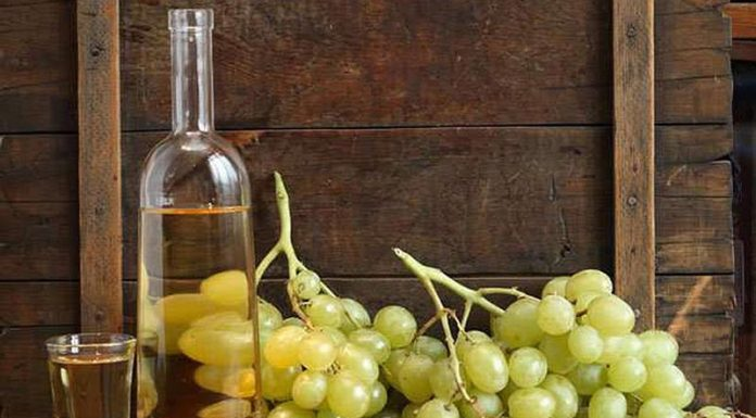 """ΚΕΟΣΟΕ: """"Όχι στον συμψηφισμό του ΕΦΚ σε κρασί και τσίπουρο"""""""