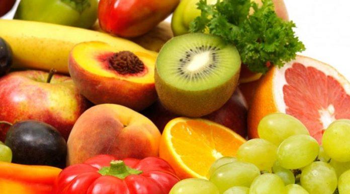 «Μπλόκο» σε 2,2 τόνους φρούτων στον Πειραιά