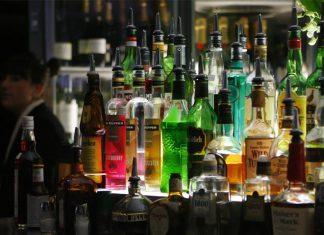 Λαθραία τσιγάρα και ποτά στην αγορά