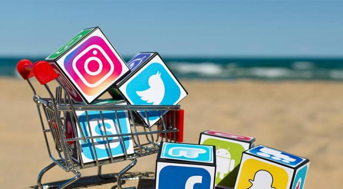 Τα social media φέρνουν λεφτά στη λιανική
