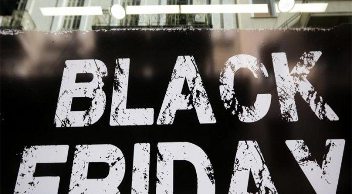 """Στη """"μάχη"""" της Black Friday και τα σούπερ μάρκετ"""