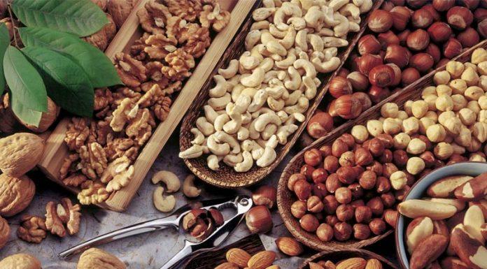 «Ακατάλληλοι» ξηροί καρποί από την Τουρκία