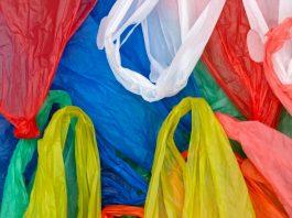 """Δισεκατομμύρια οι σακούλες παρά τα """"τσουχτερά"""" χαράτσια"""