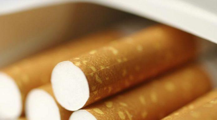 """Έρχεται νέο """"χαράτσι"""" στα τσιγάρα"""