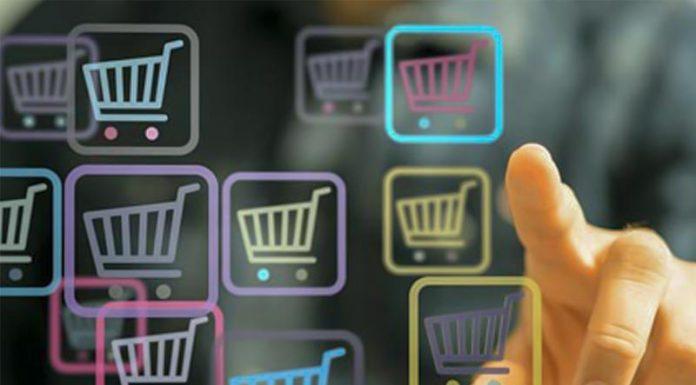 """""""Καλπάζει"""" το ηλεκτρονικό εμπόριο ακόμα και στα τρόφιμα"""