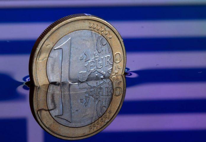 Στις 29.700 ευρώ το κατά κεφαλήν χρέος των Ελλήνων