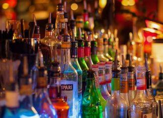 Λαθραία ποτά σε σούπερ μάρκετ και μίνι μάρκετ