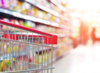 """""""Πέφτουν"""" οι τιμές των τροφίμων στα ράφια των σούπερ μάρκετ"""