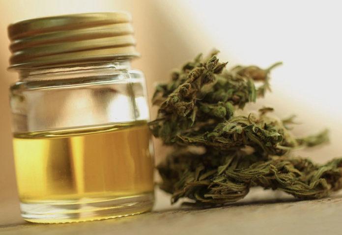 FDA: Από έλαιο μαριχουάνας οι θάνατοι των ατμιστών στις ΗΠΑ