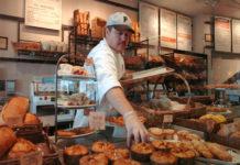 Καθιερώνεται η τάση των μίνι μάρκετ-εστιατορίων
